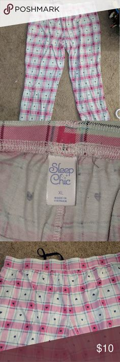 Womens XL super comfy sleep pants, drawstring Pink and white plaid style sleep pants, women's XL.  Soft and comfy. These have only been tried on, not worn. No rips or tears and in excellent condition. sleep chic Intimates & Sleepwear Pajamas