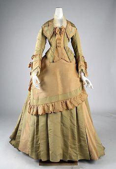 The most beautiful dresses from 'La Belle Époque' 1870s Fashion, Victorian Fashion, Vintage Fashion, Victorian Dresses, French Fashion, Most Beautiful Dresses, Beautiful Outfits, Vintage Gowns, Vintage Outfits