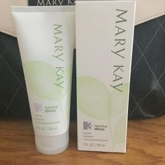 Mary Kay Botanical Effects Hydrate Oily Skin Brand New Retail $16