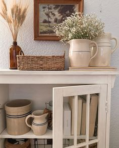 Most up-to-date Screen vintage Farmhouse Furniture Suggestions I don't live in a farmhouse…in fact it's not even close. However, that hasn't stopped me fro Cheap Home Decor, Diy Home Decor, Room Decor, Decoration Entree, Cozy House, Home Decor Inspiration, Home And Living, Sweet Home, House Design