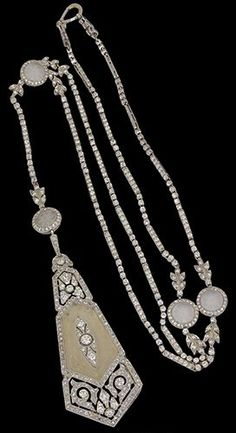 Lorgnette necklace and pendant, 1915.