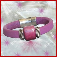 The lavender color of this Regaliz leather bracelet can only be describes as luscious! The design is simple but still quite elegant.