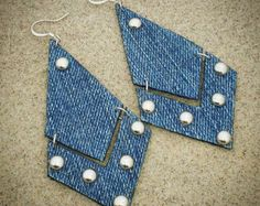 Denim Earrings- Broken Arrow Denim Jean Earrings 2019 Denim Earrings- Broken Arrow Denim Jean Earrings The post Denim Earrings- Broken Arrow Denim Jean Earrings 2019 appeared first on Denim Diy. Jean Crafts, Denim Crafts, Jewelry Crafts, Handmade Jewelry, Diy Leather Earrings, Leather Bracelets, Leather Cuffs, Denim Tote Bags, Recycle Jeans