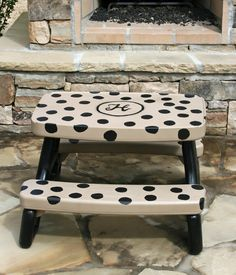 Little Tikes Picnic Table Makeover - grab one cheap at a yard / garage sale and redo! So cute. I love you personalize it so much!