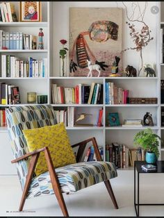 Rincón de lectura Some things you need to look for for your eclectic living room design 2019 18 Eclectic Living Room, Home Living Room, Living Room Designs, Living Room Decor, Apartment Living, Art Deco Interior Living Room, Apartment Interior, Dining Room, White Bookshelves