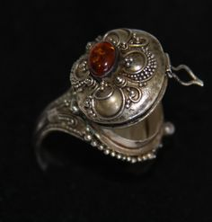 Items similar to Vampire Dragon poison Silver ring antique sterling silver with Amber stone on Etsy Funky Jewelry, Vintage Engagement Rings, Diamond Engagement Rings, Antique Rings, Antique Jewelry, Vintage Jewelry, Poison Ring, Amber Ring, Accessories