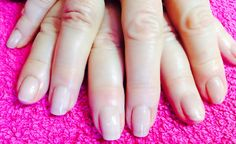 Loving the nude look. Healthy glow without being too obvious  #manicure #nails #gelpolish