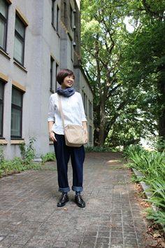 50代のファッションを 楽しむブログへようこそ 毎日、コーデを自撮りして ファッションチェック。 古着やプチプラもMIXして めざすは「ナチュラルシック」 大好きな服だけを着る 毎日にするべく クローゼットを見直し中。 毎日コツコツ、 コーディネイトを考えます 50代をお洒落で元気に 今日のコーデ ストール:fog linen work リネンシャツ:アトリエナルセ サルエルパンツ:古着 バッグ:須… Spring Outfits Women, Fall Fashion Outfits, Autumn Fashion, Womens Fashion, Japan Fashion, Daily Fashion, Black Crossbody, Weekend Style, Dress With Boots
