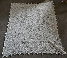 Baby tæppet Aldara er nu endelig færdigt:) her er den strikket i Alpaca 1 fra Isager.