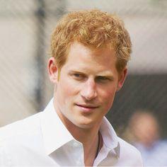 I see a handsome man ❤ | Veo un hombre muy guapo ❤ #Princeharry #prince #harry #príncipe #enrique #british #britishroyals #handsome #man #London #Londres #England #Inglaterra #hombre #guapo