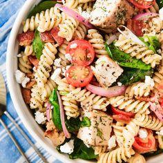 Best Caprese Pasta Salad Recipe - How to Make Caprese Pasta Salad Chicken Pasta Salad Recipes, Healthy Pasta Salad, Best Pasta Salad, Easy Pasta Salad Recipe, Vegetarian Salad Recipes, Pasta Salad Italian, Healthy Salad Recipes, Vegetarian Diets, Greek Pasta