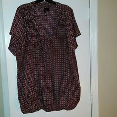 Retro Chic by Torrid Heart Top with Tie, Sz 4 Retro Chic by Torrid Heart Top with Tie, Banded Bottom, Sz 4, Never Worn, No Tags torrid Tops