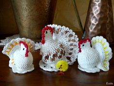 Handmade by Ecola & Dana Art - Wielkanocne kurki Crochet Birds, Easter Crochet, Free Crochet, Knit Crochet, Crochet Hats, Crochet Chicken, Easter Cross, Egg Designs, Crochet Accessories