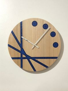 Never be late again with this unique, modern wall clock. The clock is made from Australian Oak timbe 3d Wall Clock, Wall Clock Wooden, Wall Clock Design, Diy Clock, Clock Decor, Wood Clocks, Art Decor, Epoxy Resin Wood, Resin Art