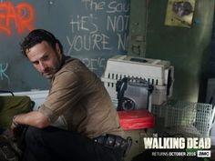 The Walking Dead season 7 premiere: Robert Kirkman teases hard ...