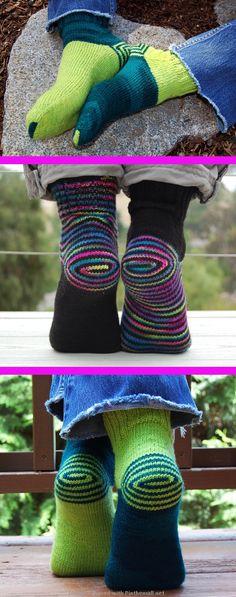 Double Heelix pattern by Jeny Staiman on Ravelry created via pinthemall Double Heelix pattern by Jeny Staiman on Ravelry created via pinthemall Crochet Baby Socks, Baby Booties Knitting Pattern, Knitting Patterns Free, Slippers Crochet, Knitting Tutorials, Stitch Patterns, Ravelry, Easy Knitting, Knitting Socks