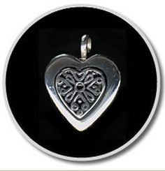 Our Keepsake Pendants bring memories to an even more personal level by holding a small portion of cremated remains, a lock of hair or dried ceremonial flowers.
