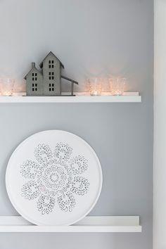 Valkoinen talo täyttyy joulutunnelmasta – katso ihastuttavat kuvat!