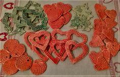 Mázas karácsonyi dekoráció Pottery, Clay, Ceramics, Crochet, Ceramica, Clays, Ceramica, Pottery Marks, Ganchillo
