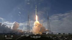 SpaceX Launches 60 More Internet-Beaming Satellites, Reusable Rocket Misses Landing Ship - Science Spies Spacex Falcon 9, Falcon 9 Rocket, Manufacturing Engineering, Spacex Launch, Rocket Launch, Planetary Science, Internet Providers