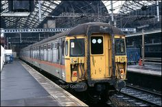 Clacton jaffa cake liveried 309 617 aka The 'Clacton Express' units Electric Locomotive, Diesel Locomotive, Uk Rail, Jaffa Cake, Liverpool Street, Electric Train, British Rail, Train Engines, Rolling Stock