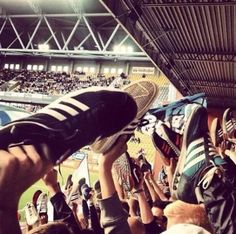 """""""Shoes off if you love / hate ____________ (fill in the club)"""" Football Fight, Football Fans, The Football Factory, Sneakers N Stuff, Sneakers Adidas, Cool Trainers, Adidas Retro, Football Casuals, Acid House"""