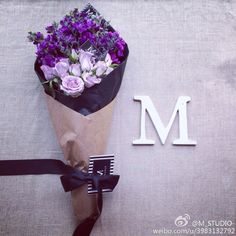 干花花束 Picture Letters, Name Letters, F Alphabet, Studio U, M Wallpaper, Whatsapp Profile Picture, M Letter, M Monogram, Different Fonts