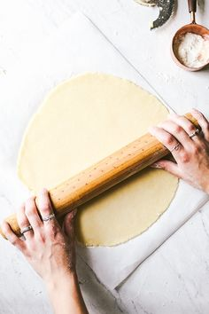 This Galette Dough recipe is made in a food processor in 5 minutes. It bakes up buttery and flaky and can be used for both sweet and savory galettes. Homemade Pastries, Homemade Desserts, Homemade Pie, Dessert Recipes, Crust Recipe, Dough Recipe, How To Make Pie, Food To Make, Gallette Recipe