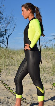 Designed specifically for open water swimming and triathlon, featuring high visibility fluro yellow panels for increased visibility and safety in the water. The Womens Triathlon Wetsuits sets a new bench mark in wetsuit design. Triathlon Training Program, Training Programs, Triathlon Clothing, Running Clothing, Triathlon Women, Triathlon Wetsuit, Diving Wetsuits, Triathalon, Scuba Girl