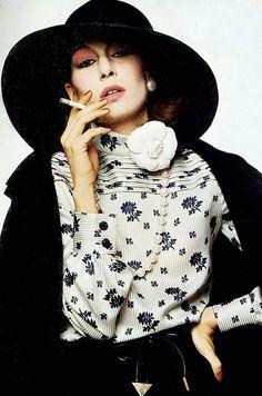 Photographer Bob Richardson for Italian Vogue - Angelica Huston.