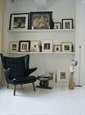 Shelving rather than hanging frames. Interesting.  Living room - Page 18 - Interior designs for your home