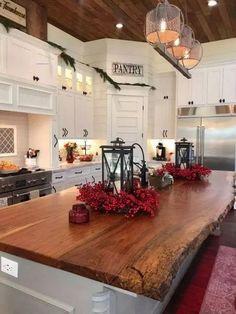 #rustickitchendesigns Farmhouse Kitchen Island, Kitchen Island Decor, Modern Kitchen Island, Eclectic Kitchen, Modern Farmhouse Kitchens, Country Kitchen, New Kitchen, Home Kitchens, Kitchen Dining