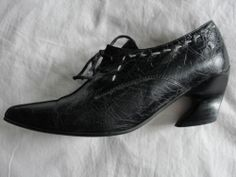 JOHN FLUEVOG*BLACK CRACKLE LEATHER LACE-UP POINTY TOE CURVE HEEL SHOES OXFORDS*6