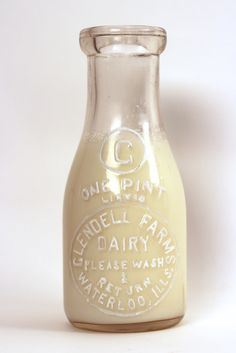 This is a wonderful Reverse on Glass Menu Board from the Sealtest Dairy Company based in New York. Vintage Milk Can, Vintage Milk Bottles, Glass Milk Bottles, Churning Butter, Soda Fountain, Milk Cans, Advertising Signs, Carafe, Make And Sell