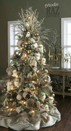 34 Beautiful Christmas Tree Decorating Ideas | Absolutely Stunning, Christmas  Tree And Poinsettia