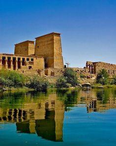 El Nilo es el río... ¡que marcó el nacimiento de la cultura egipcia! Recórrelo en nuestro Blog: http://blog.viva-aquaservice.com/2013/04/09/el-nilo-el-rio-que-marco-el-nacimiento-de-la-cultura-egipcia/