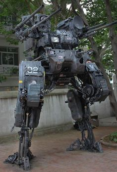 Who would be a worthy opponent for this Giant Robot Mech? Mobile Armored Tactical Platform (MA-TP) by Chinese mech sculptor ProgV who made it from his dad's old Nissan truck. Military Robot, Arte Cyberpunk, Arte Robot, Nissan Trucks, Mekka, Future Soldier, Robot Concept Art, Robot Design, Ex Machina