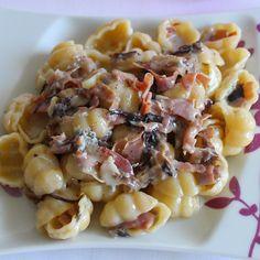 Gnocchi con gorgonzola, radicchio e speck / Gnocchi with gorgonzola cheese, radicchio and speck