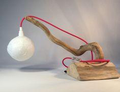 lampe de table en bois et cable textile rose : Luminaires par atelier-art-b