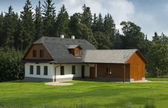 """Chalupa z kategorie """"chalupník"""" - charakteristický je dřevěný obklad. Home Fashion, Tiny House, Shed, Outdoor Structures, Cabin, House Styles, Building, Home Decor, Courtyards"""