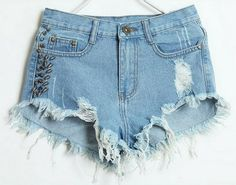 Hot Pants Destroyed Spikes - Universum Store - R$98