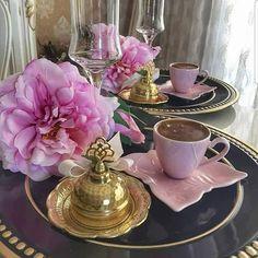 Coffee Girl, I Love Coffee, My Coffee, Coffee Lovers, Good Morning Coffee, Coffee Mornings, Cafetiere, Breakfast Tea, Brown Coffee