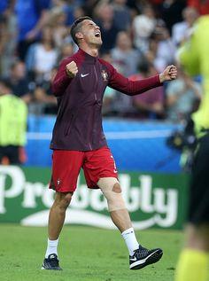 Euro 2016 Pictures and Photos Cristiano Ronaldo Quotes, Cristiano Ronaldo Juventus, Real Madrid Football, World Football, Portugal National Football Team, Portugal Soccer, Football Players, Fifa, Champion