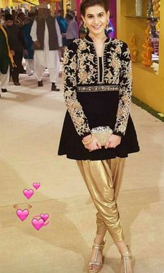 781338ee2 Stylish Pakistani Party Wear Dresses 2017 For Girls In Peplum Style ...