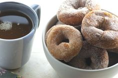 Old-Fashioned Cake Doughnuts Beignets, Donut Recipes, Cooking Recipes, Babycakes Recipes, Yummy Recipes, Yummy Yummy, Yummy Food, Yeast Donuts, Waffles
