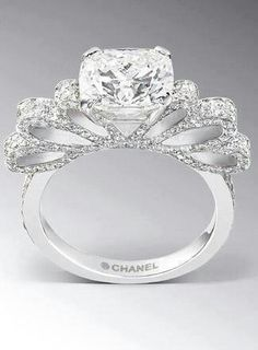 Gorgeous. This needs to be mine one day.I love this rings diamond simple but beautiful   love rings wedding and rings jewelry