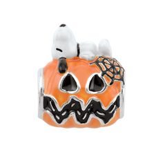 With Autumn in full swing, what a better way to celebrate with Snoopy and the Great Pumpkin, than with this adorable hand-painted enamel bead? Add this sweet seasonal Peanuts by Persona bead to your collection for some fall fun. Charlie Brown Halloween, Charlie Brown And Snoopy, Disney Pandora Bracelet, Pandora Charms, Charm Jewelry, Jewelry Box, Love Charms, Silver Charms, Cool Things To Buy