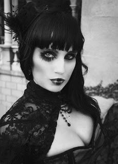 Gothic Steampunk I love this look. Dark Beauty, Goth Beauty, Tribal Fusion, Gothic Girls, Visual Kei, Dark Fashion, Gothic Fashion, Goth Victorien, Gothic Beauty