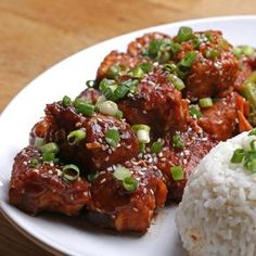 General Tso's Tempeh Recipe by Tasty - Vegetarian Recipes Easy Beef And Broccoli, Whole Food Recipes, Cooking Recipes, Cooking Tips, Vegetarian Recipes, Healthy Recipes, Tempeh Recipes Vegan, Quick Recipes, Vegan Dishes