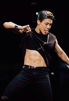 Jimin abs TO BE HONEST I NOTICED THE TONGUE FIRST...<< I CANT LIVE